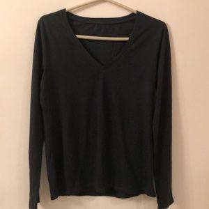 NWT Three Dot Cotton V Neck Long Sleeve Shirt.